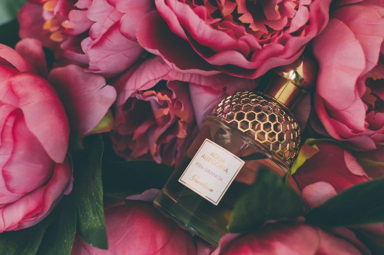 kwiaty w perfumach